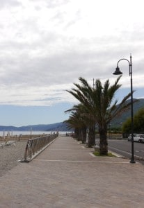Strandpromenade Albenga